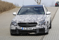 Nuevo C63 AMG de Mercedes-Benz con más imágenes espias
