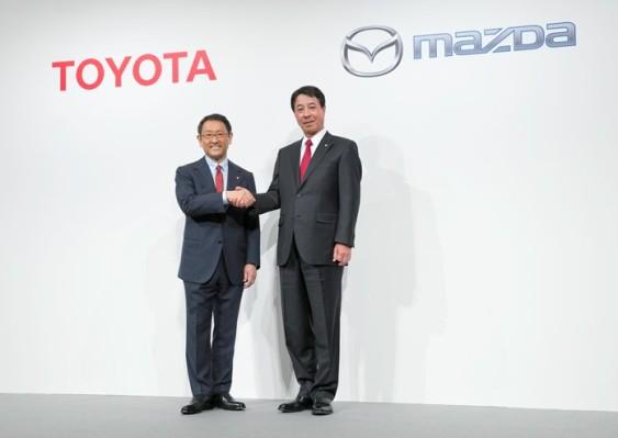Alianza estratégica entre Toyota y Mazda