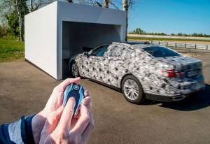 Así aparca el nuevo BMW Serie 7: desde fuera y con la llave
