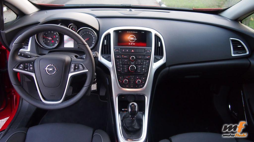 Prueba Opel Astra Gtc El Coupe Tradicional