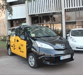 Nissan cede diez eléctricos en Barcelona