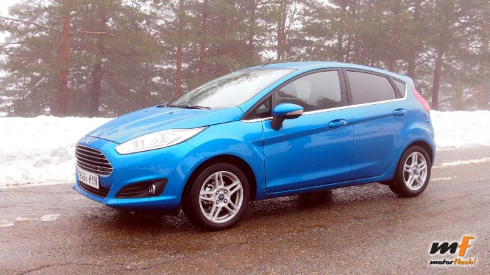 Ford Fiesta Azul Candy 2015 - 5 puertas Titanium