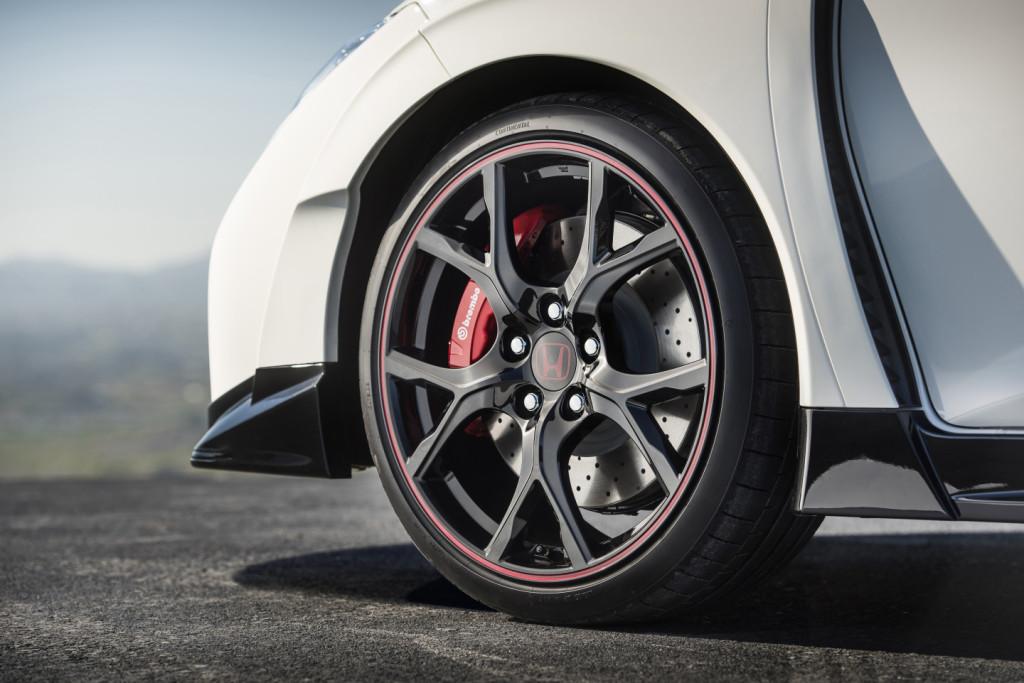 Detalle llantas de Civic Type R