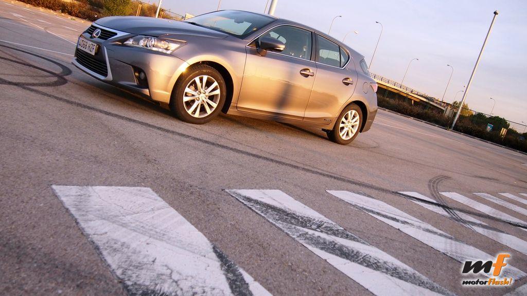 LexusCT200h_MF_50