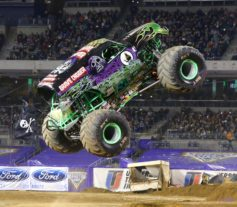 Monster Trucks - Grave Digger
