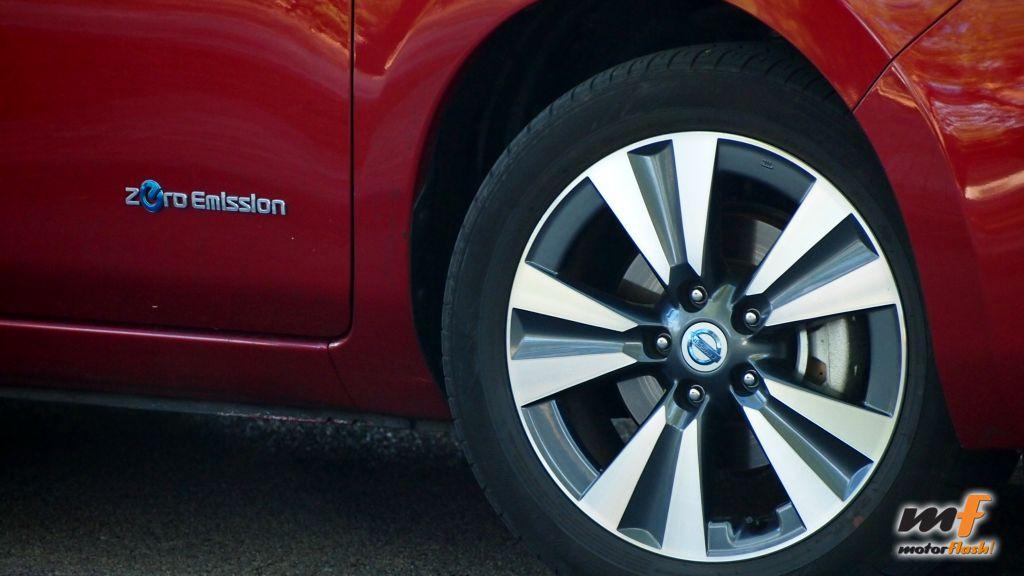 Nissan_Leaf_motorflash_06
