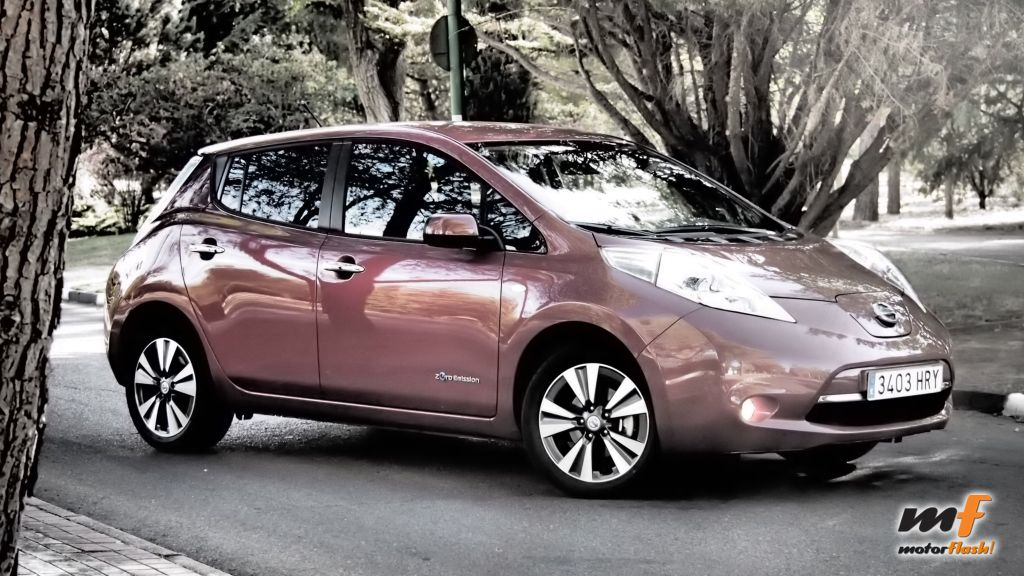 Nissan_Leaf_motorflash_08