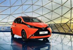 Nuevo Toyota AYGO -frontal rojo y negro