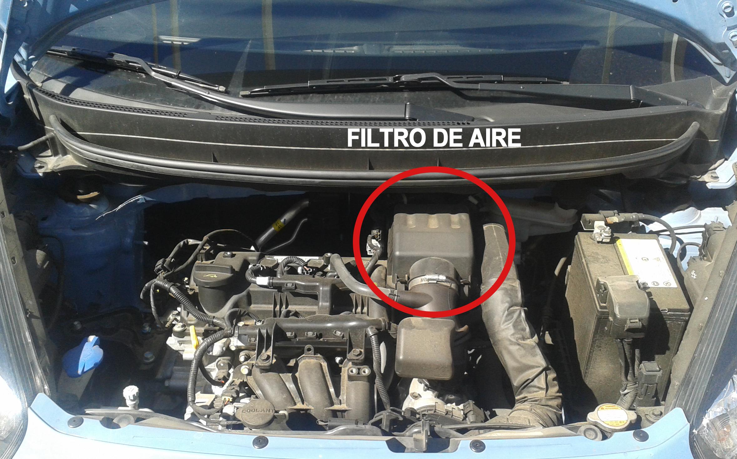 Las lanchas sobre la gasolina sobre la radiodirección del vídeo