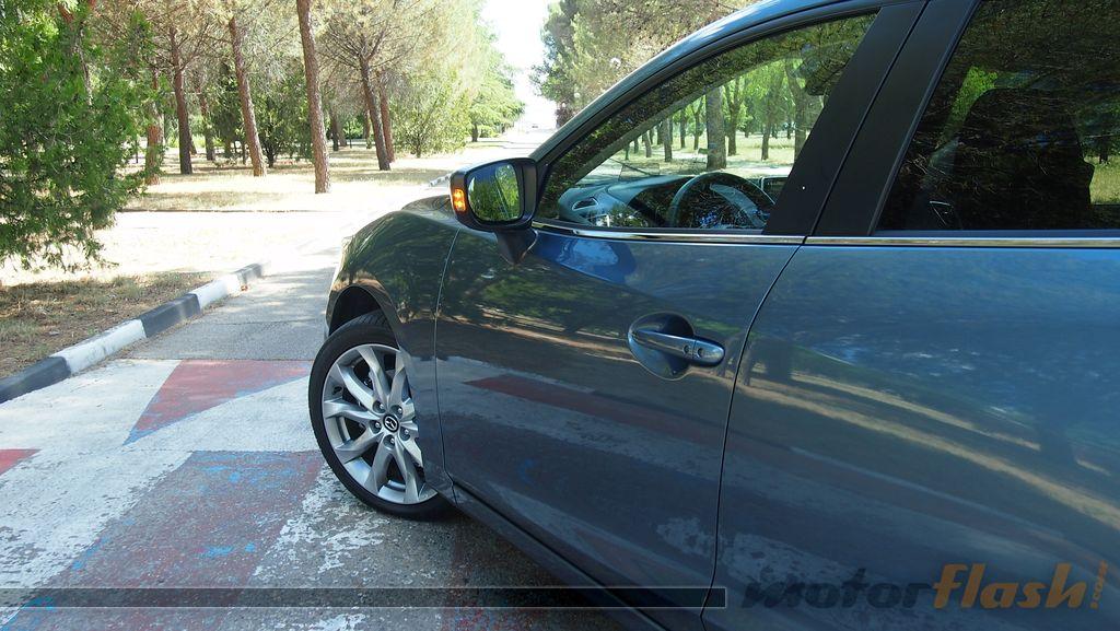 mazda3_sedan_74